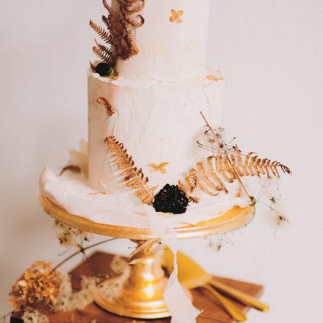 Cake Stand Gold Verleih Hochzeit