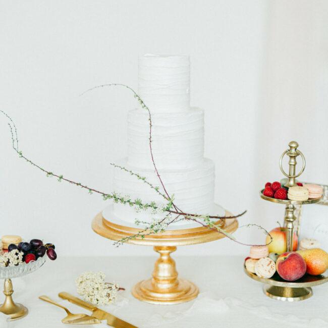 Sweet Table Cake Stand Gold Verleih Wien