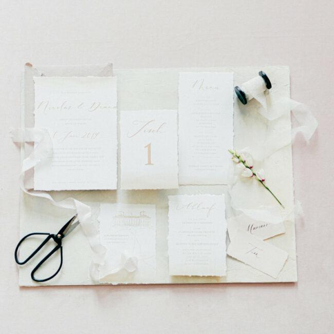 Flatlay Papeterie Hochzeit Drucksorten
